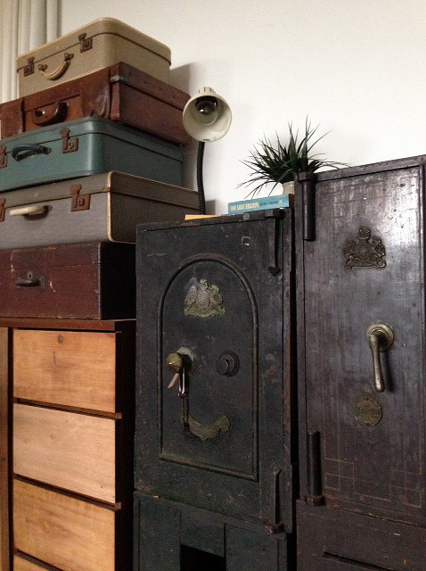 Secondhand furniture stores in Singapore - Long-longtime Store