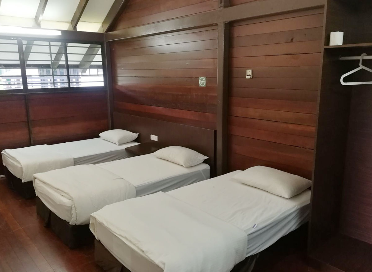 chalets in singapore - hometeamns bukit batok villa bedroom