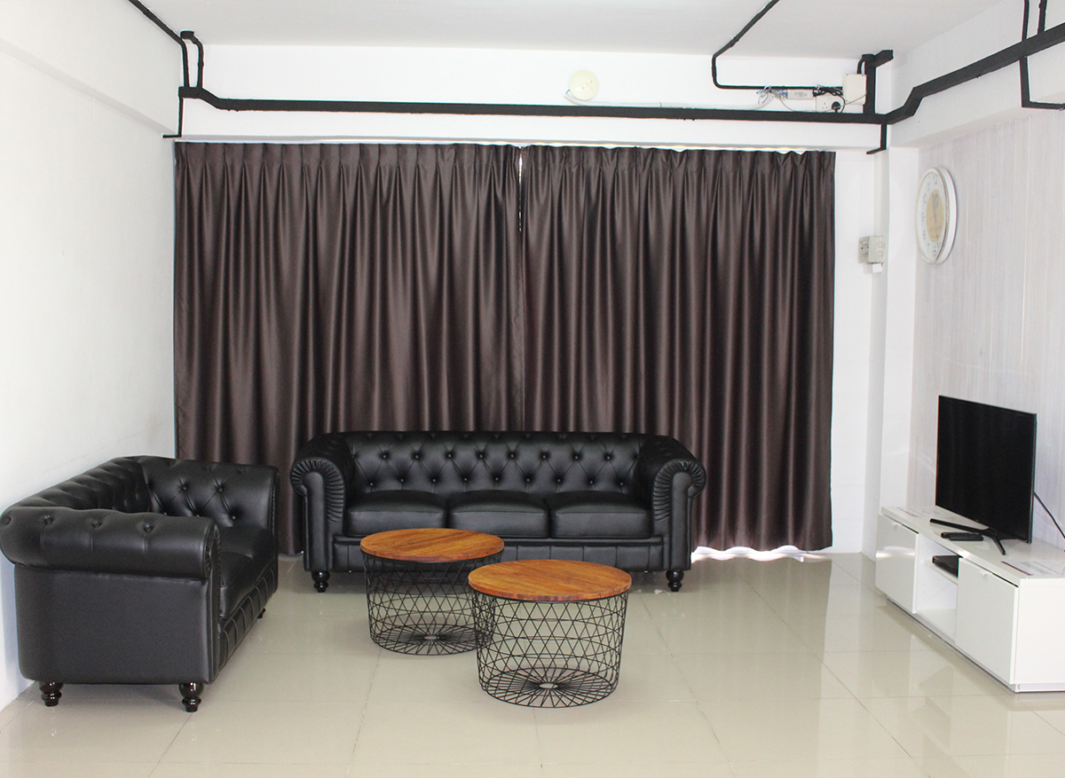 chalets in singapore - hometeamns bukit batok villa living room
