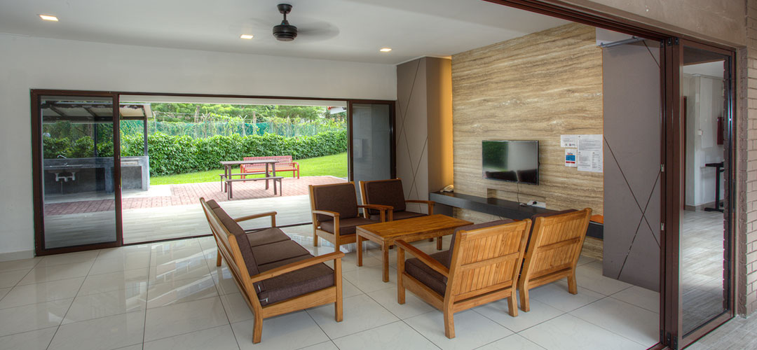 chalets in singapore - CSC loyang living room