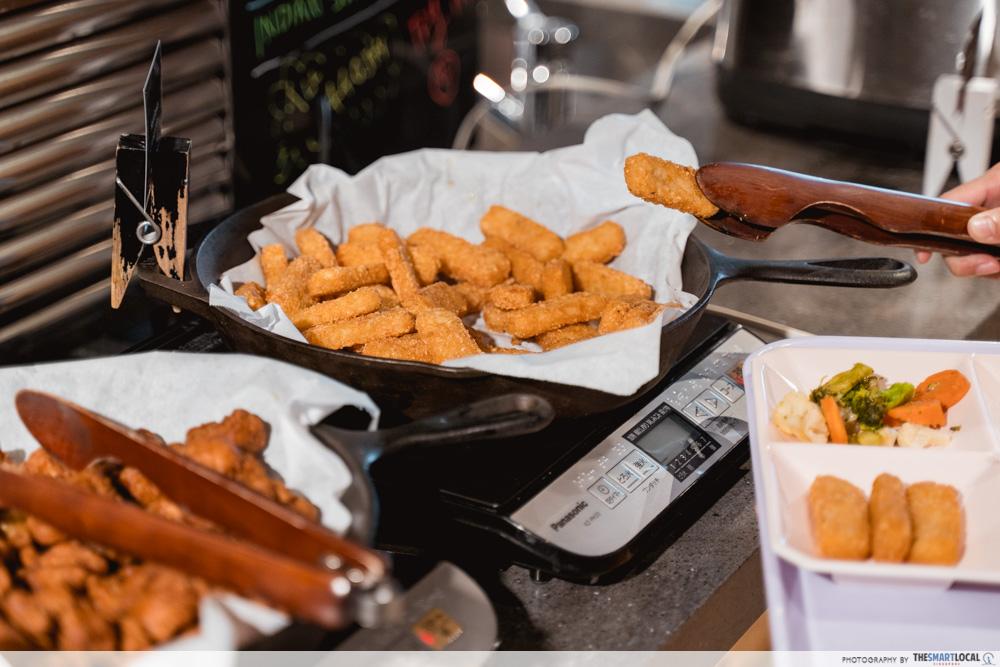 moxy osaka hotel breakfast buffet