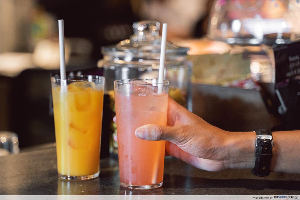 moxy hotel bar drinks