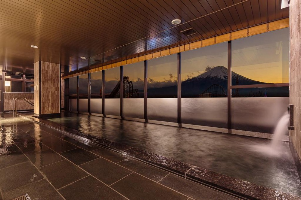 10 Hotels In Japan With Views Of Mount Fuji That Look Straight Out Of A Postcard hotel mystaysonsen