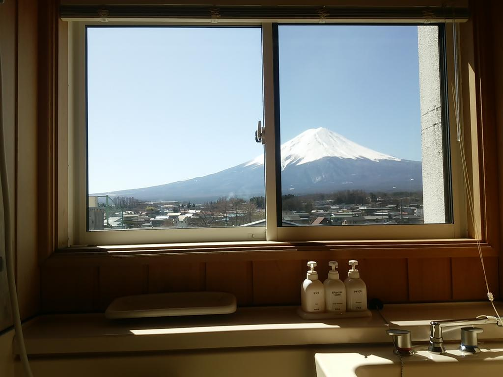 10 Hotels In Japan With Views Of Mount Fuji That Look Straight Out Of A Postcard mizunosato bathroom view