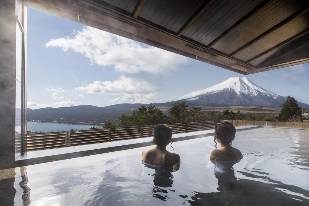 10 Hotels In Japan With Views Of Mount Fuji That Look Straight Out Of A Postcard hotel mt fuji
