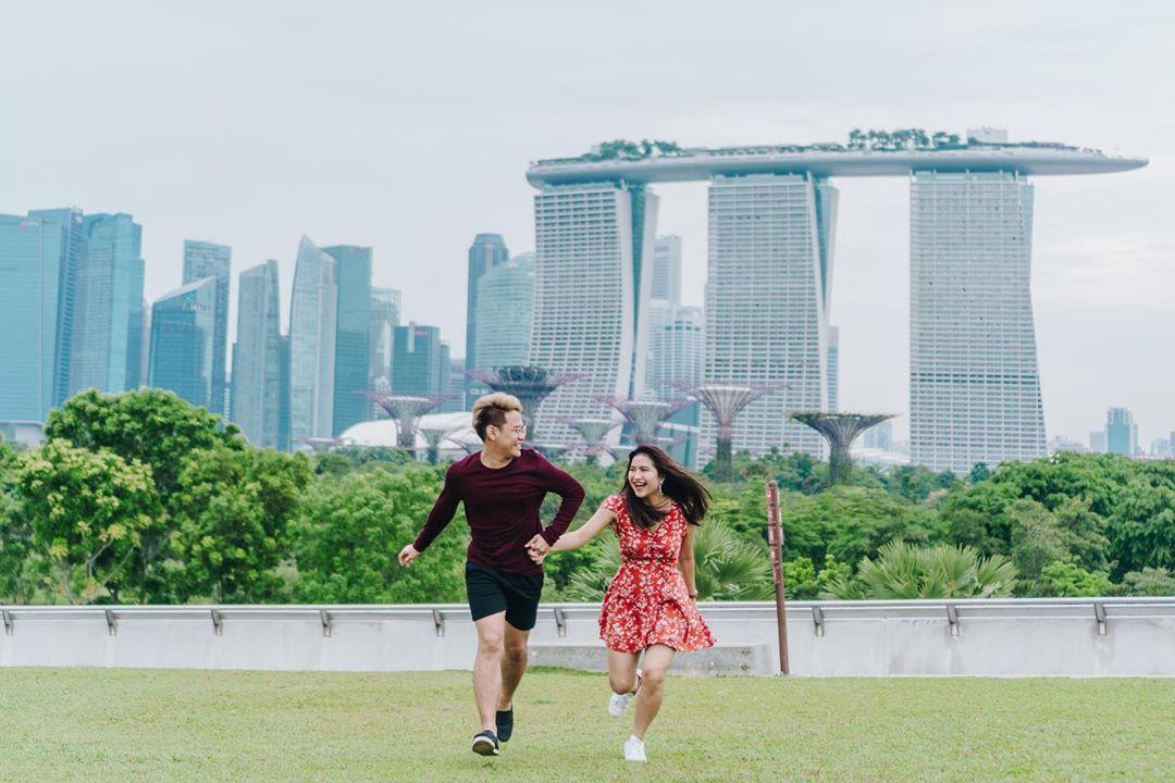 Couple shot at Marina Barrage