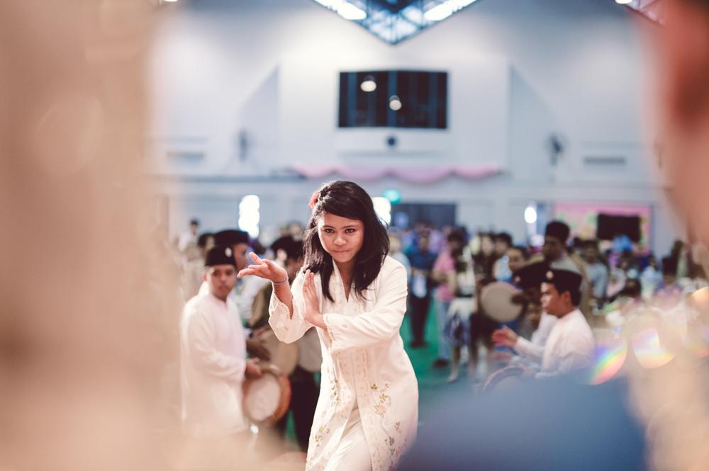 girl performing silat pengantin