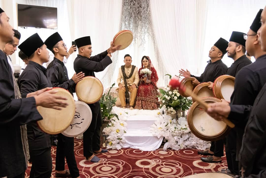 kompang performance for couple