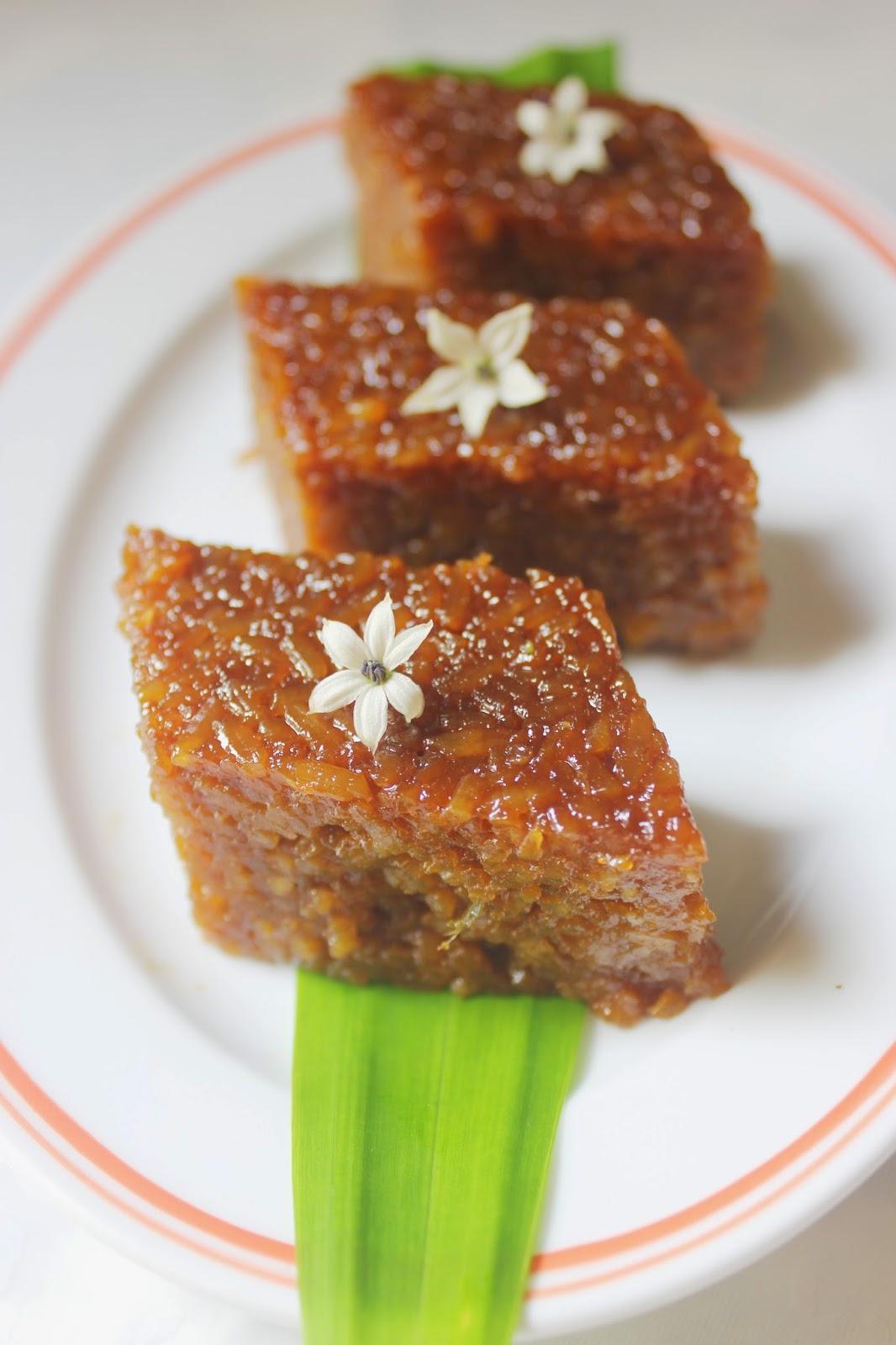 sweet glutinous rice on plate