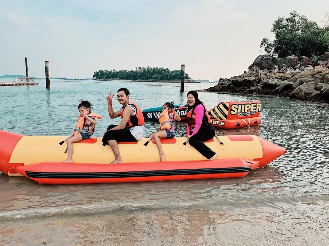 11 Water Activities In Singapore To Beat The Heat With When Swimming Gets Too Mainstream banana boat