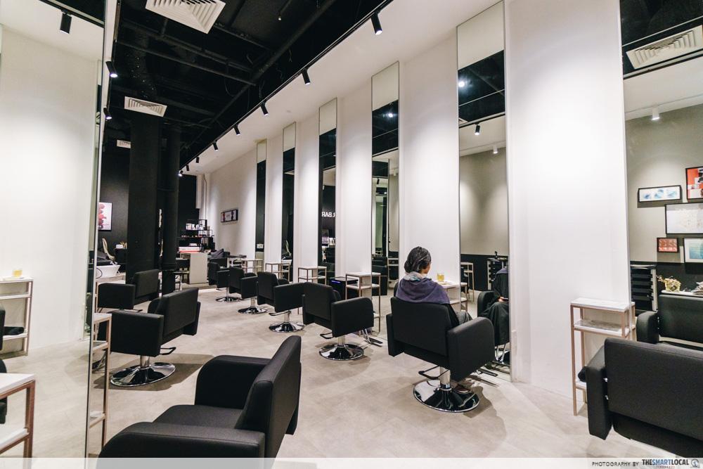 Be Salon interior