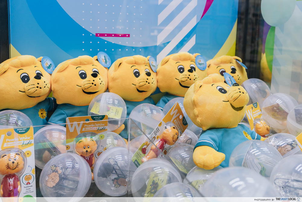 Singa Lion Pop Up InstaKindness Singapore Kindness Movement Raffles City Claw Machine Merch