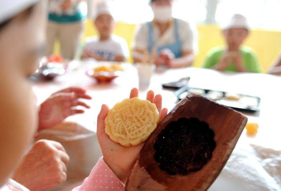 Tips Improve Chinese Kids Mooncake Workshop