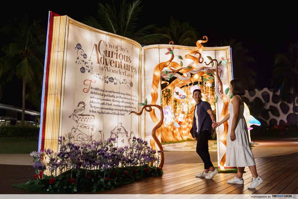 VivoCity Mid-Autumn 2019 Light-Up Alice in Wonderland Entrance Storybook