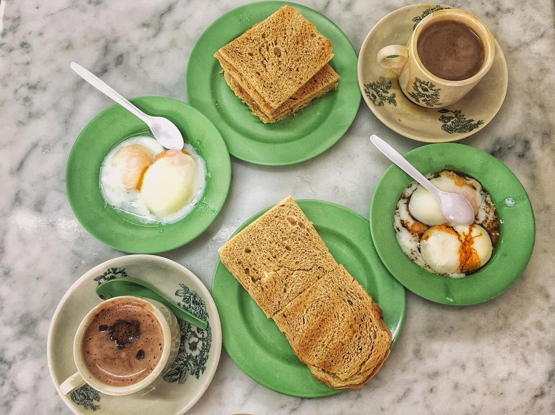 backpacking in singapore - kaya butter toast with half boiled eggs