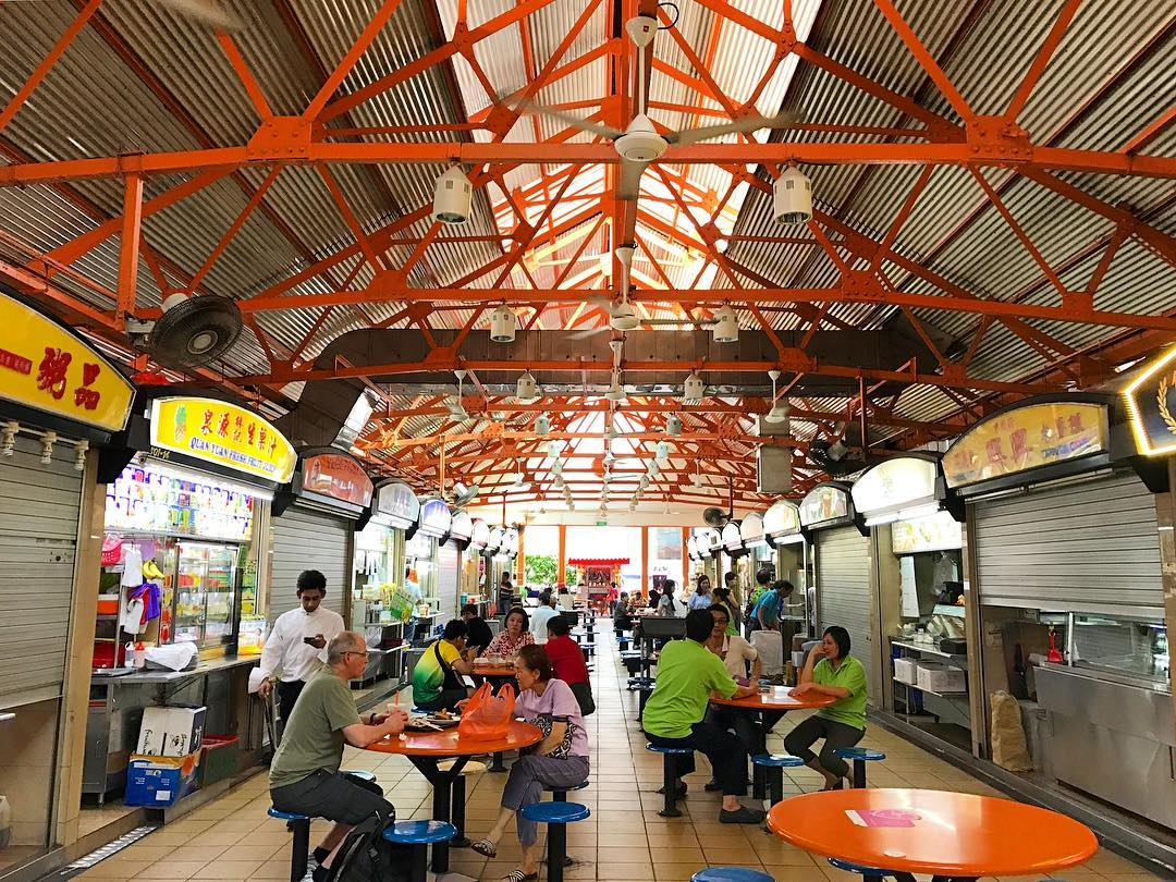 backpacking in singapore - hawker centre