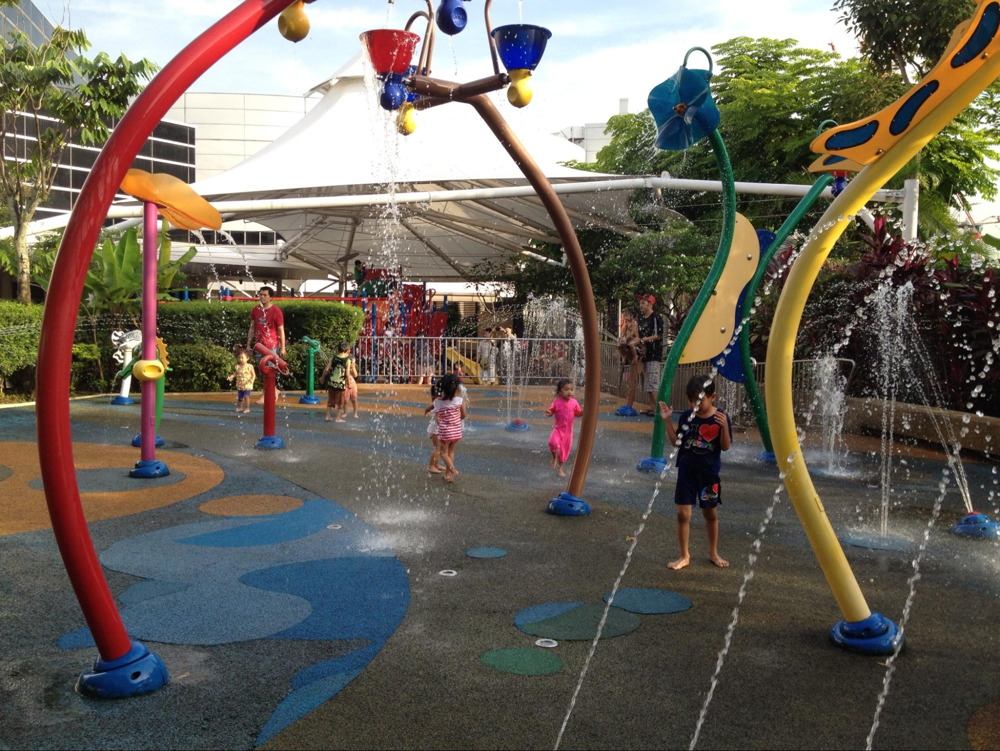 free playgrounds in mall - IMM wet play area