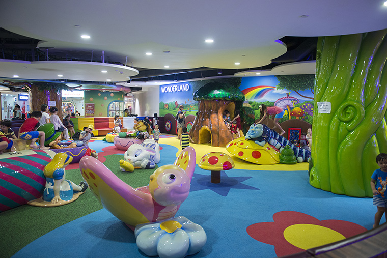 free playgrounds in mall - waterway point indoor playground