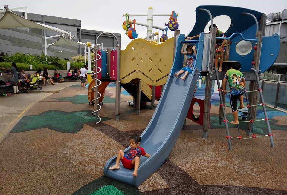 free playgrounds in mall - dry playground