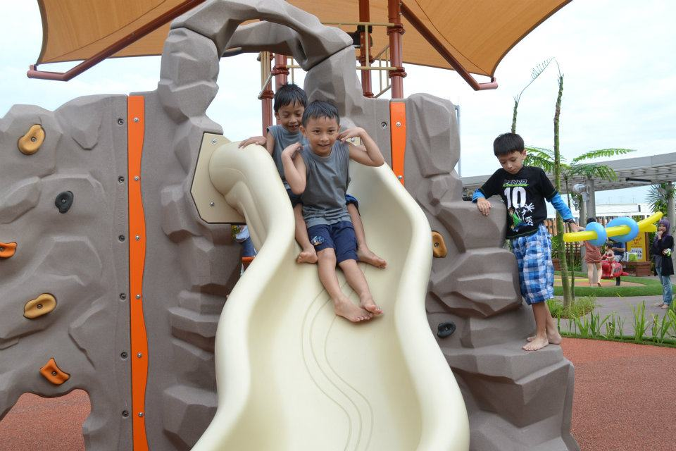 free playgrounds in mall - tampines 1 rock climbing wall and slide