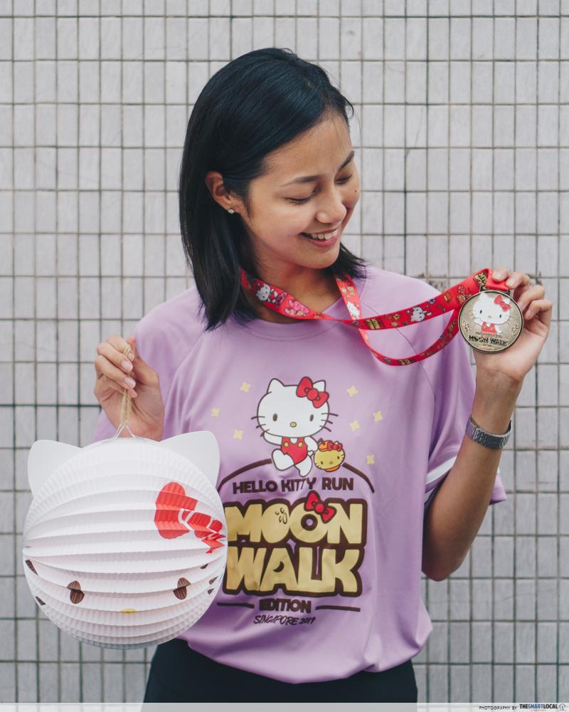 Hello Kitty Run 2019 - hello kitty medal and LED lantern