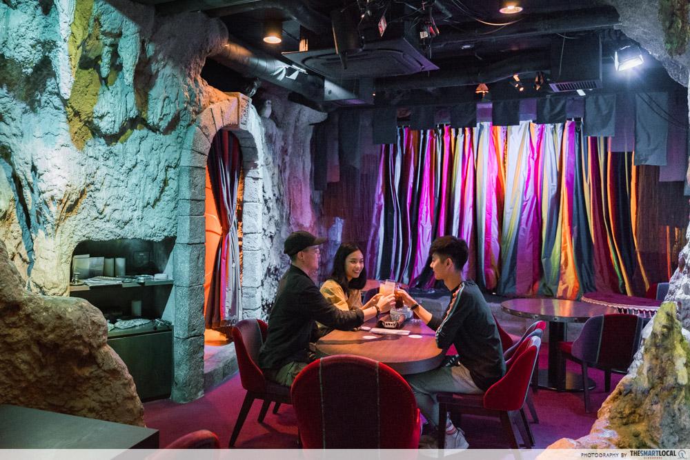 mahou dining bar interior