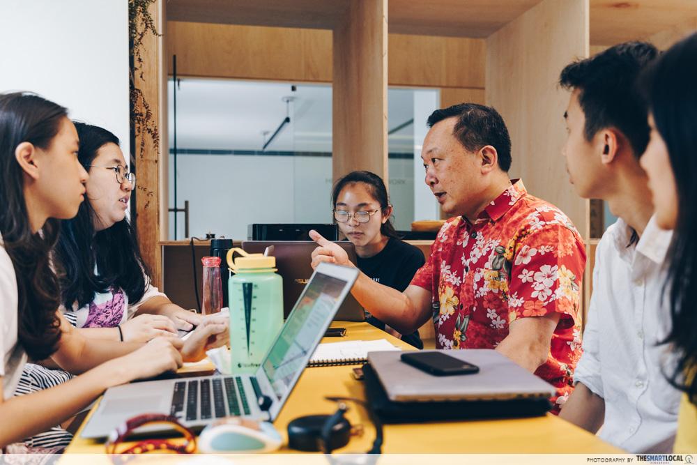 heartware network volunteer - mr raymond huang with volunteers