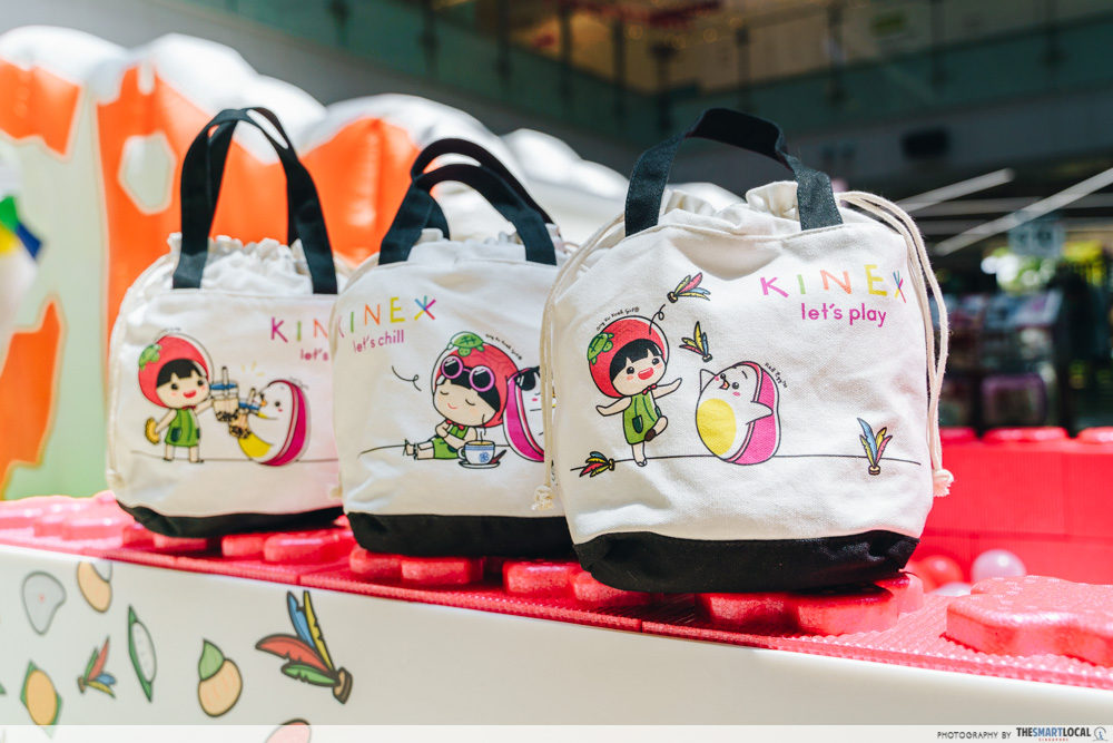 KINEX Mall Is Going Local With Ang Ku Kueh Workshops & A Dragon Playground Bouncy Castle lunch bag