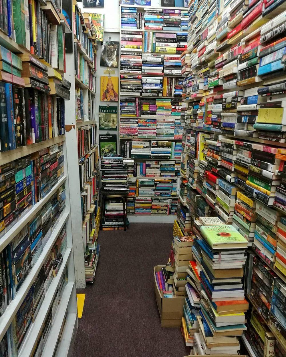 Secondhand Bookstores - ANA Bookstore interior