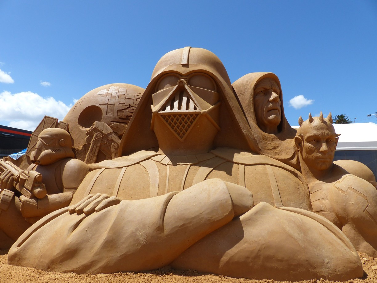 things to do in september - darth vader sand sculpture