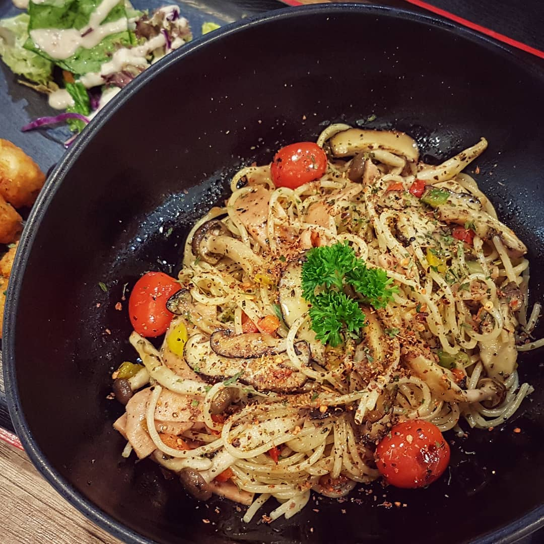 10 Vegetarian Food Delivery Options In Singapore For Meatless Meals Sent Straight To Your Door truffle aglio olio