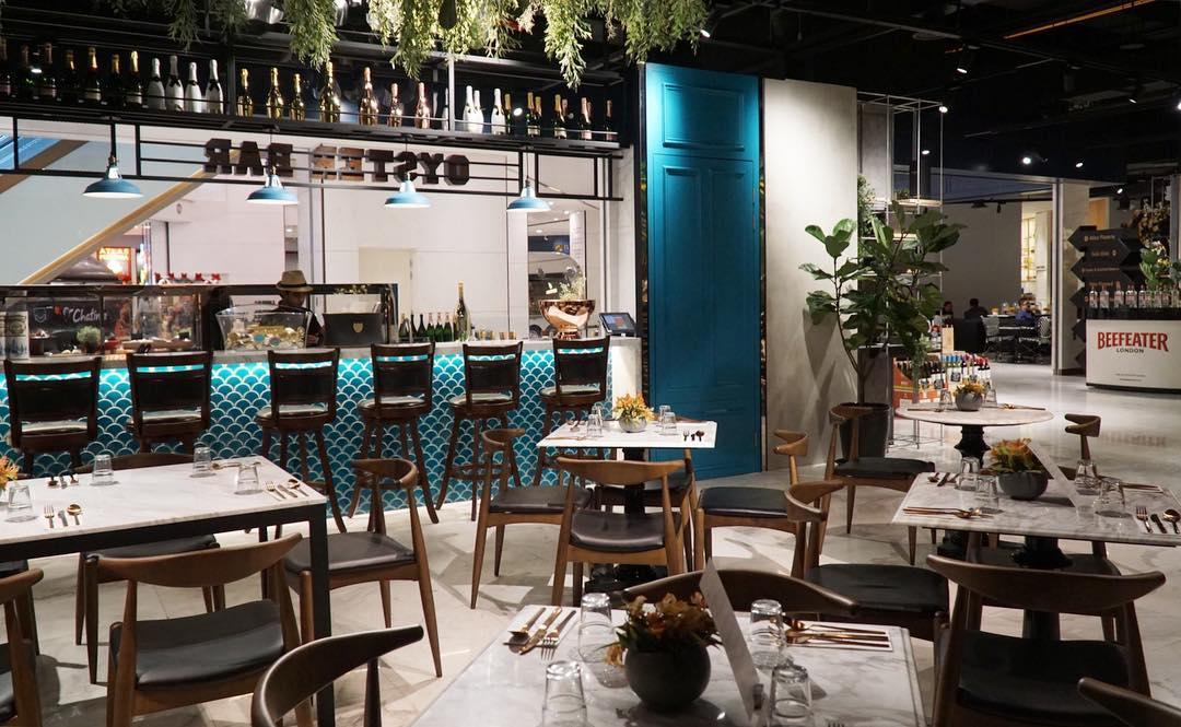 Atlas Gourmet Market Shoppes at Four Seasons Place