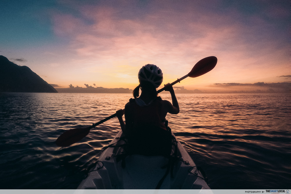 Sunrise kayak at Qingshui Cliff