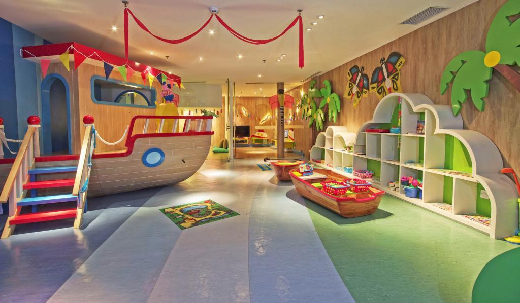 bali luxury hotels - fairmont sanur beach bali kids club