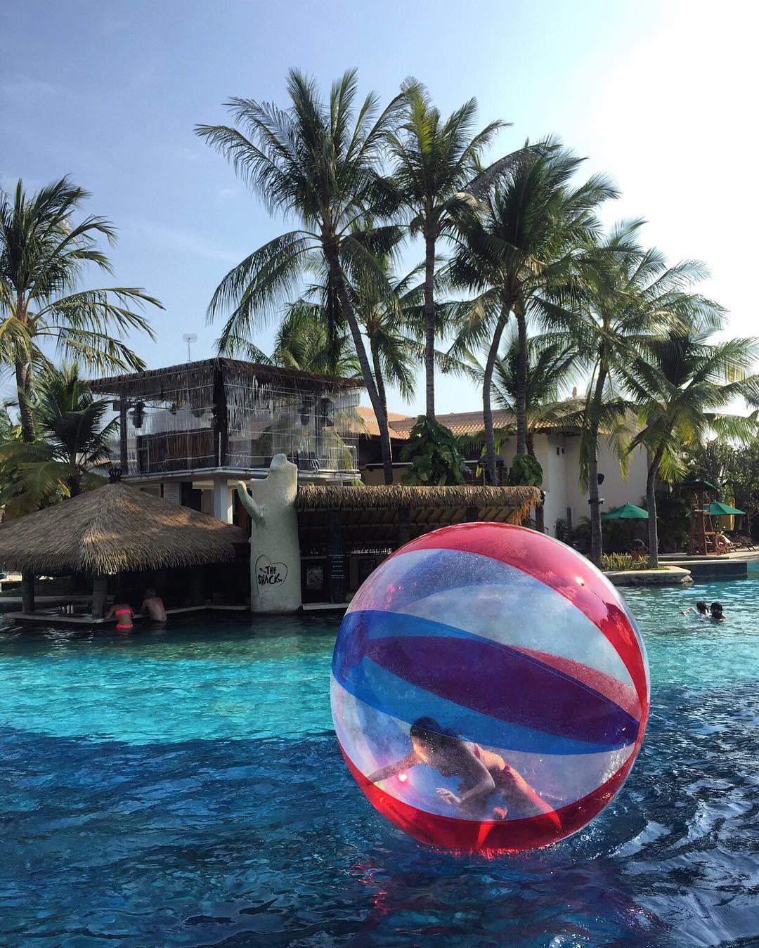 bali luxury hotels - hard rock hotel bali pool