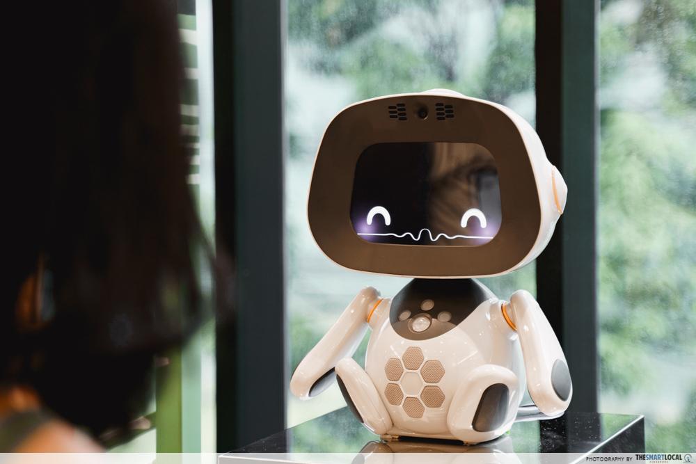 robot hotel japan