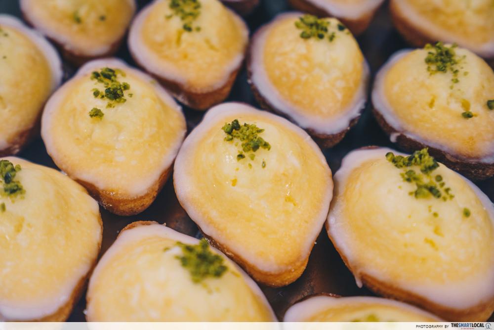 anthracite cafe lemon madeleine