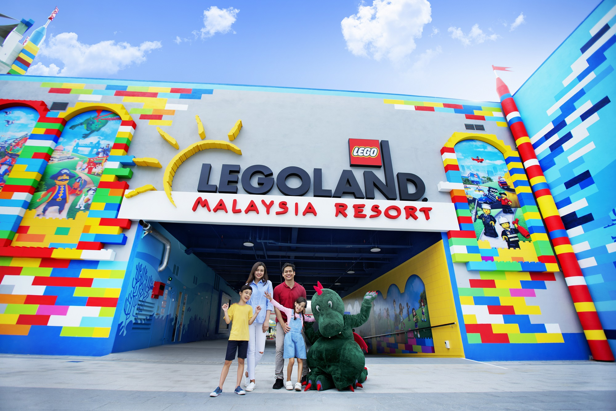 [REVISED] Legoland M'sia Has A New Aquarium, VR Roller Coaster & Pirate-Themed Rooms For School Break Staycays resort