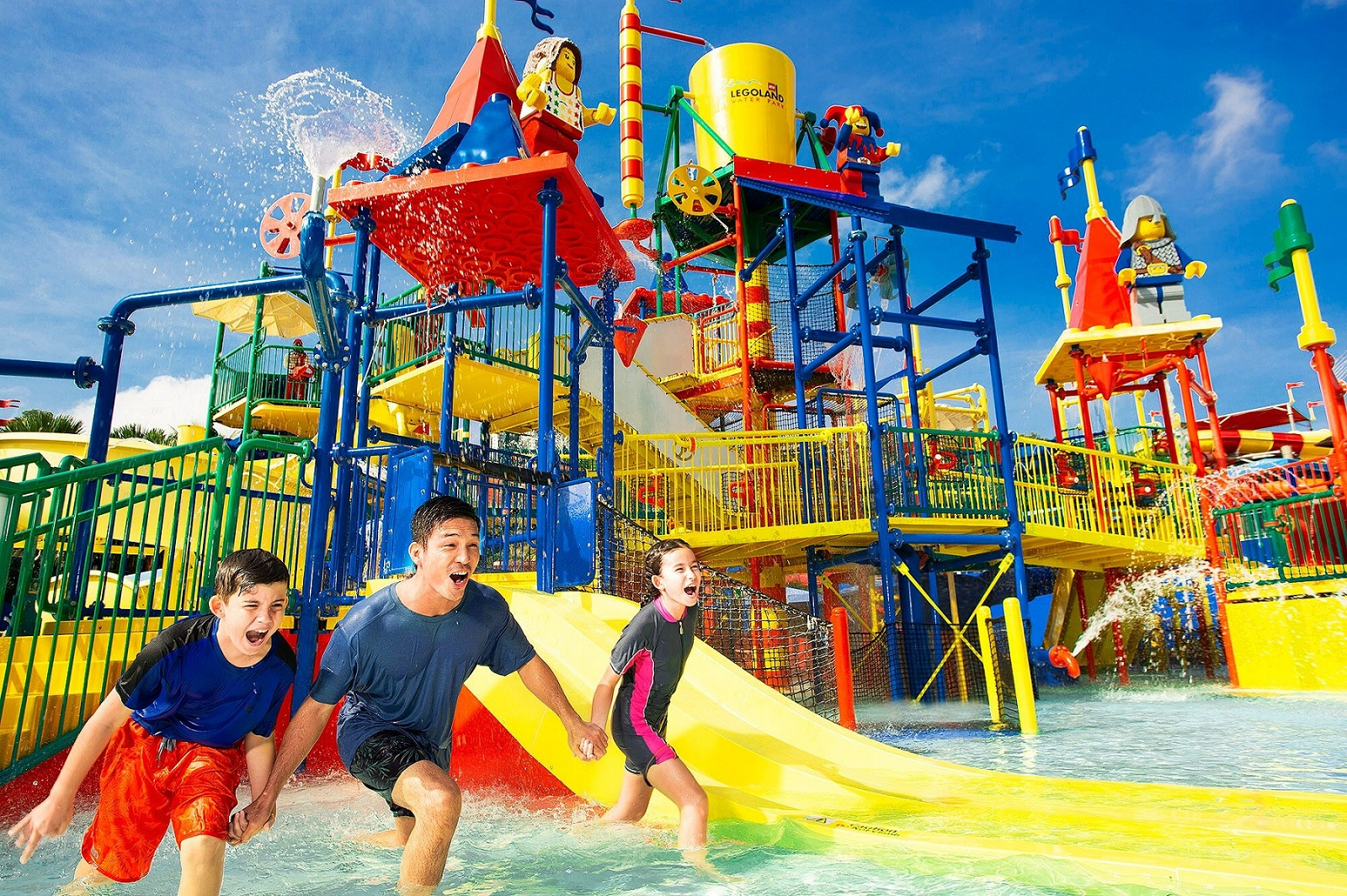 [REVISED] Legoland M'sia Has A New Aquarium, VR Roller Coaster & Pirate-Themed Rooms For School Break Staycays water park