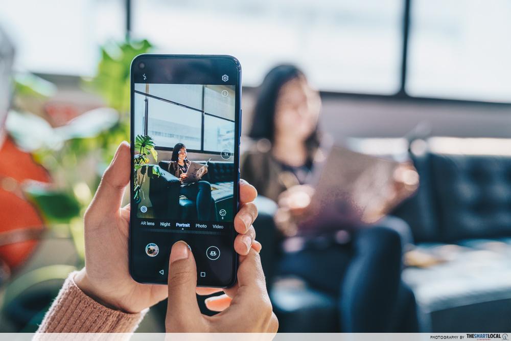video editing apps - huawei nova 5t taking photo