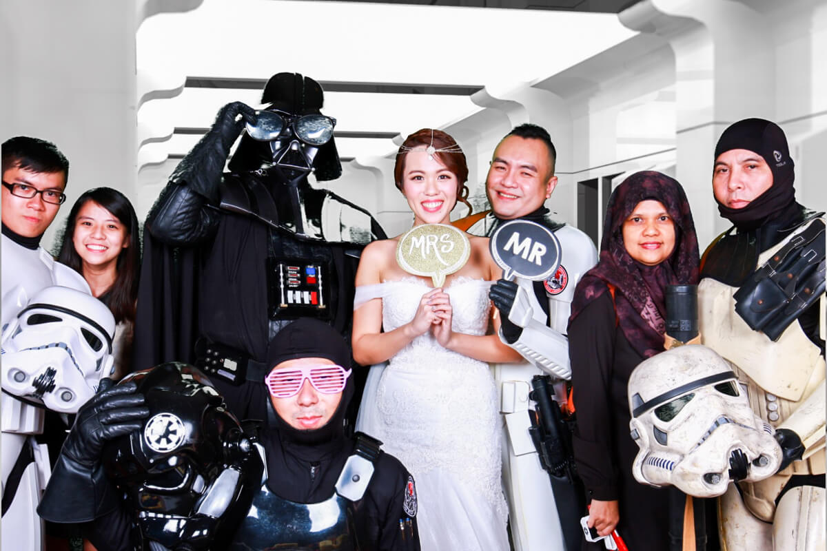 wedding photobooth - cloud booth star wars