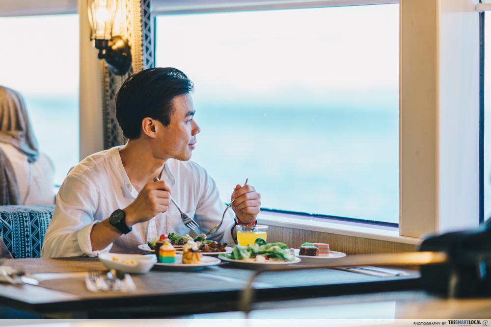 AirAsia - sunset cruise buffet