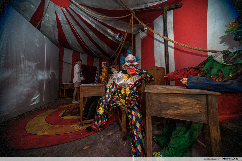 HHN Twisted Clown University