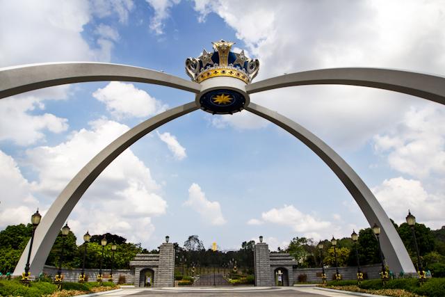 danga bay in jb - royal garden at laman mahkota istana bukit serene
