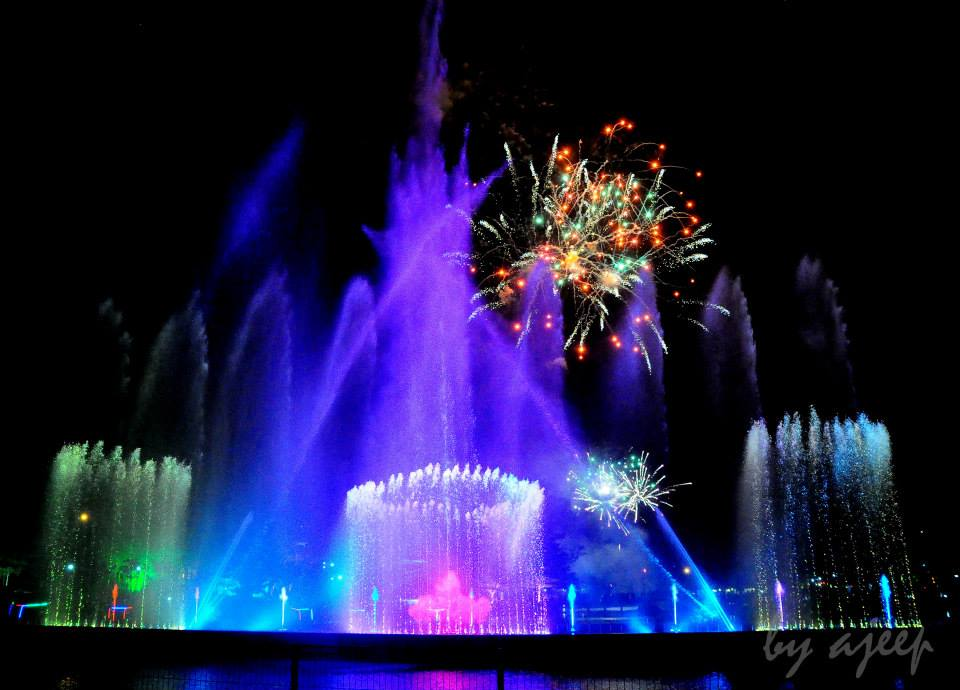 danga bay in jb - taman merdeka light show and fireworks