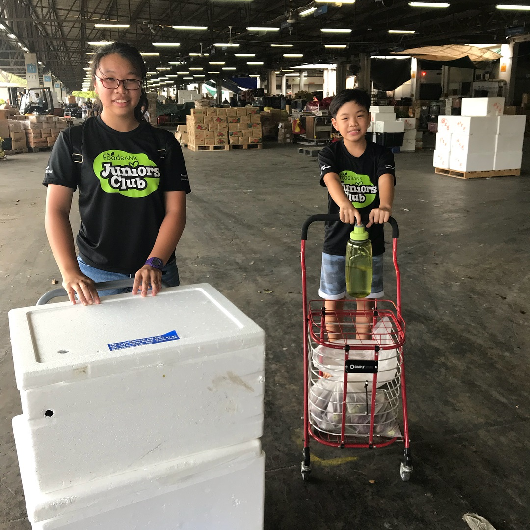 kid-friendly volunteer food bank