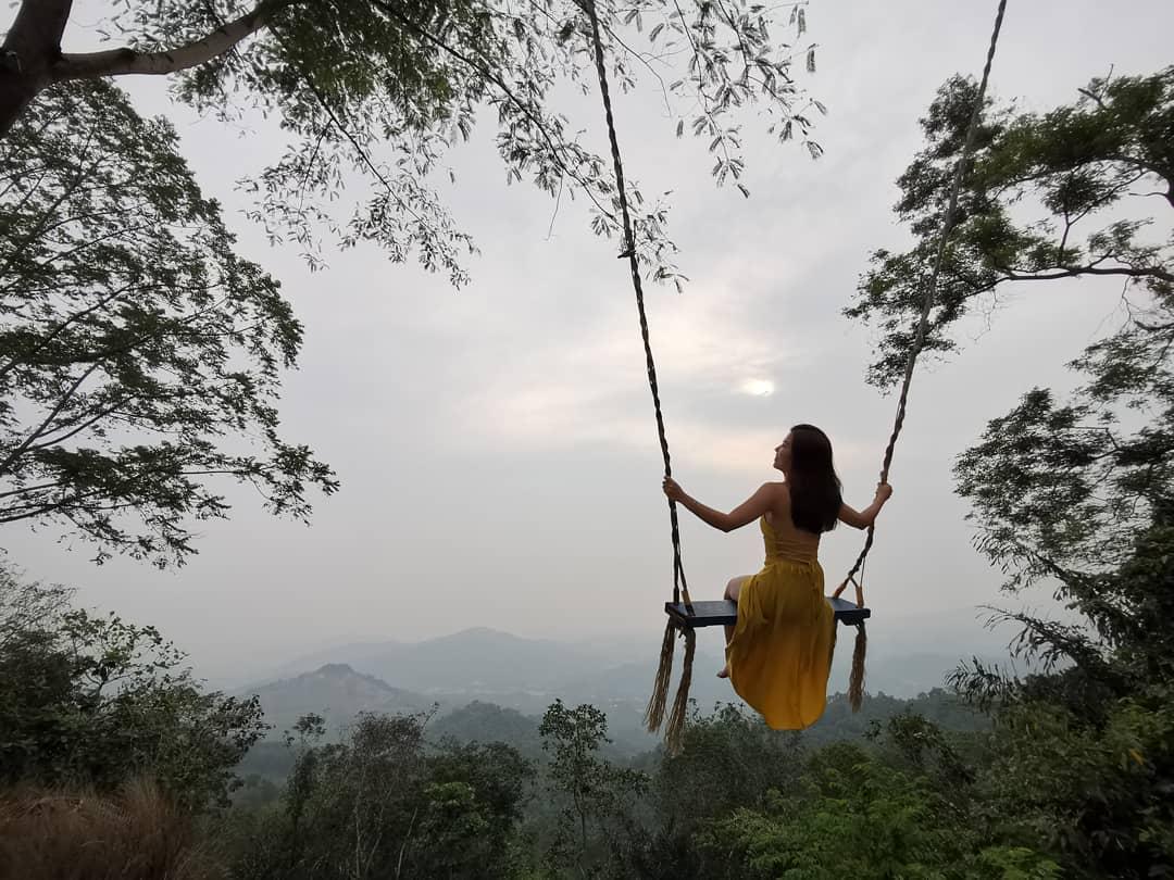 kota kinabalu resorts and hotels - mega swing at le' one kokol elf