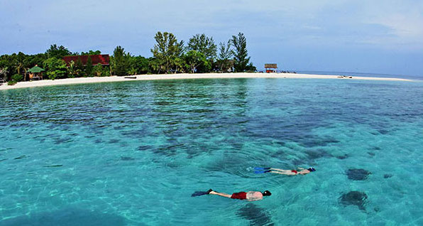 kota kinabalu resorts and hotels - snorkel at bungaraya island resort