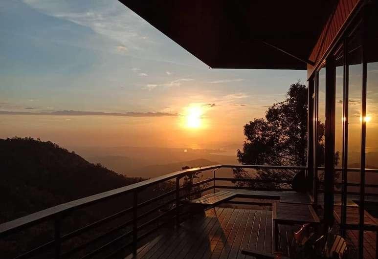 kota kinabalu resorts and hotels - kokol haven resort balcony
