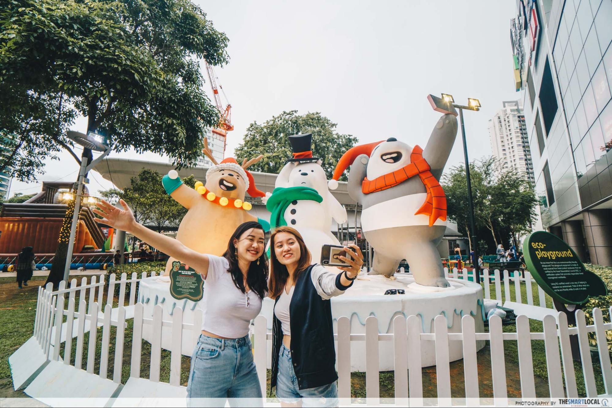 We Bare Bears Christmas Selfie